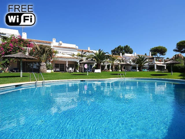 Holiday home 30 m from the beach*