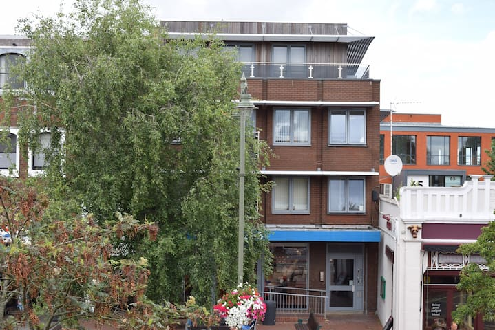 ONE BED APARTMENT CENTRAL EGHAM #CC4 - Egham - Lejlighed