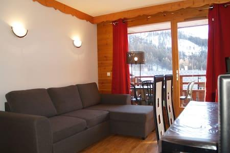 Appart 6 pers, balcon, pied pistes - Puy-Saint-Vincent - Leilighet