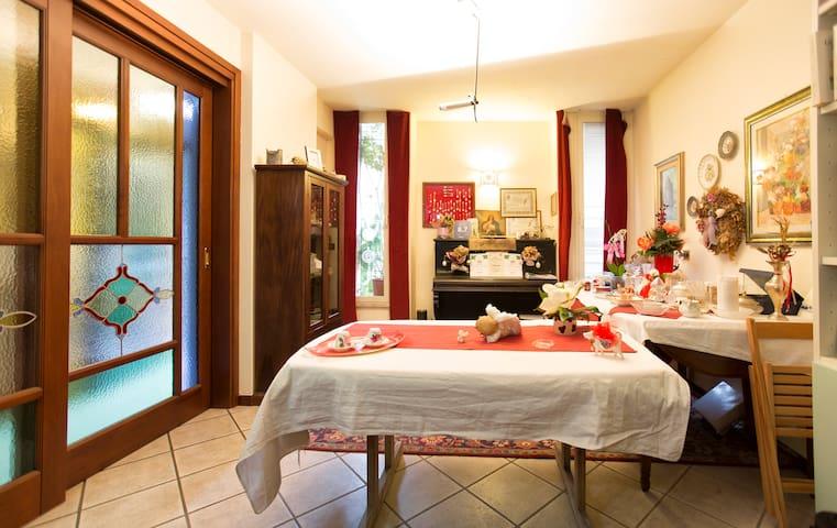 B&B Il Pavone stanza doppia/singola - Sassari - Bed & Breakfast