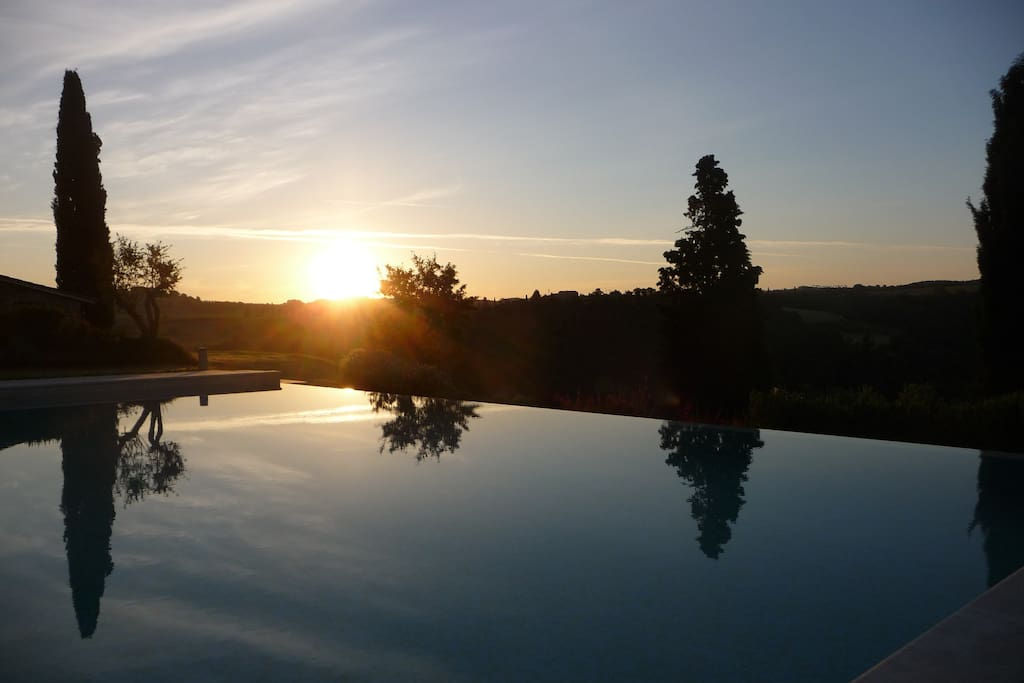 Sunrise over the infinity pool