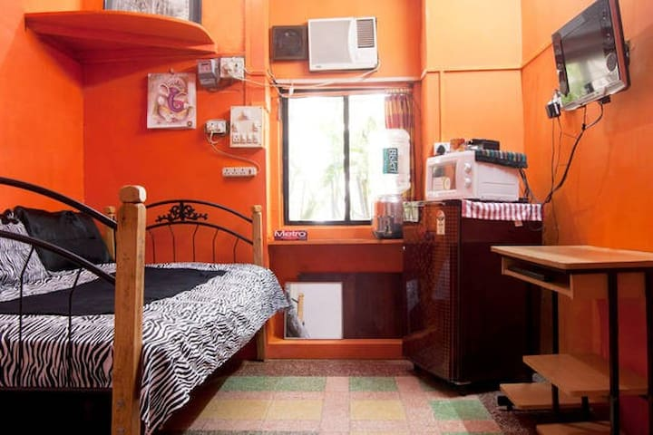 5 STAR WIFI ''GALAXY PRIVATE AC 2 BED''  S. MUMBAI - Mumbai - Appartamento