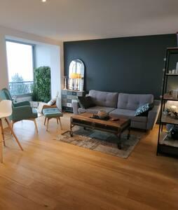 Chambre double, vue magnifique, 5 min de Lyon.