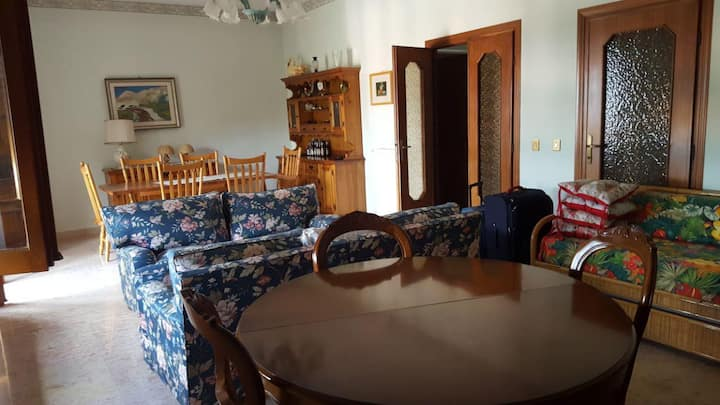 Apartment in Rome's Countryside (Marino)