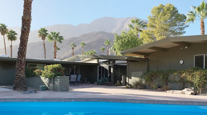 Marvelous Mid-Century Modern 3BR Home with pool