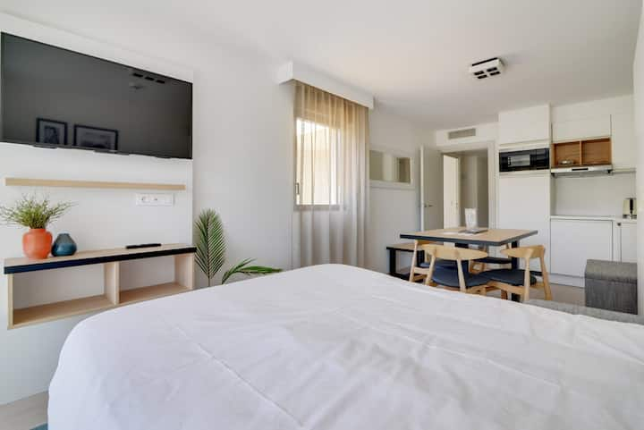 New standard suite for 4 people with double bed and sofa bed