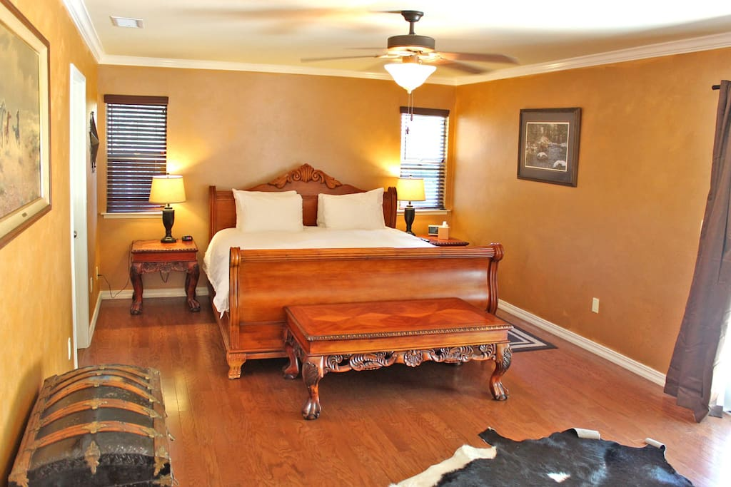 Stunning Oak King Bed