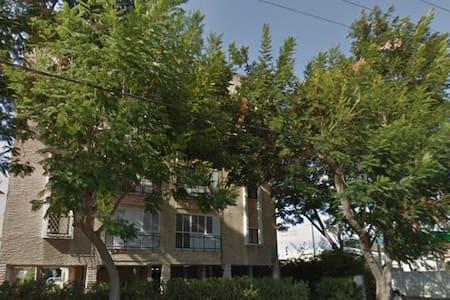 A nice apartment near Tel Aviv - Petah Tikva