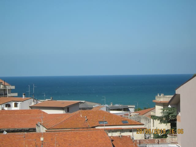 Large apartment with sea views - Ortona - Apartamento