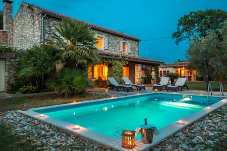 CasaRea beautiful old Istrian house - Umag - Villa
