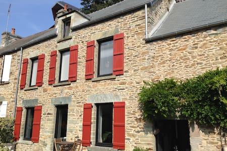 Maison en pierres vue sur mer - Urville-Nacqueville