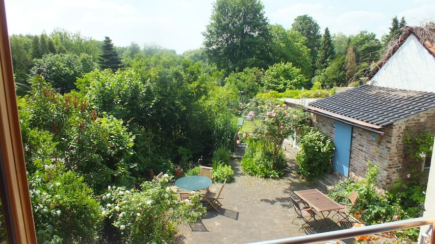 green comfortable oasis near park - Bottrop - Casa