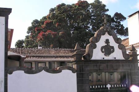 Casa das Calhetas-Turísmo Habitação - Calhetas