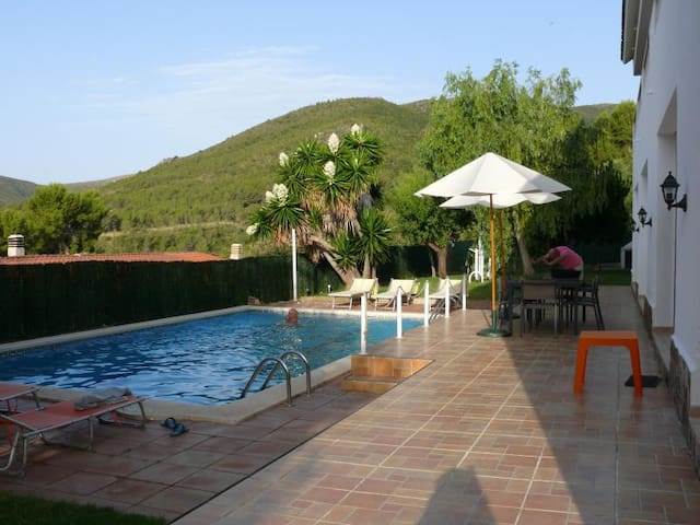 Habitación triple cerca Barcelona piscina playa - Gavà - Dům