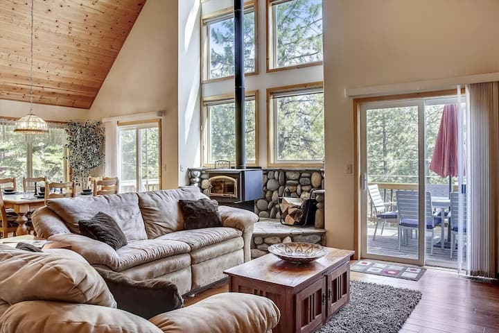 Treetop Chalet, North Lake Tahoe, Kingswood, Close to Northstar and Kings Beach