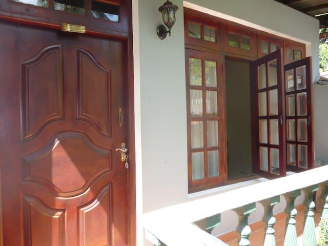 Riverside Home - Kandy - Overig