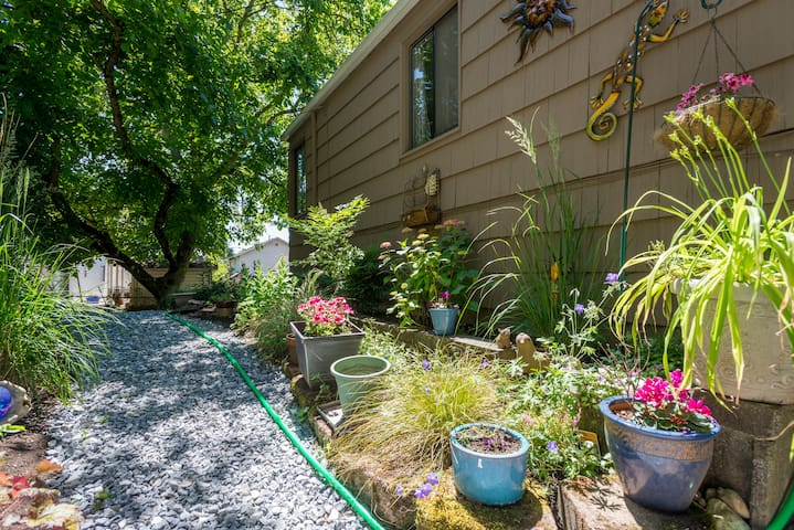 Burien 2018 (with Photos): Top 20 Places to Stay in Burien ...