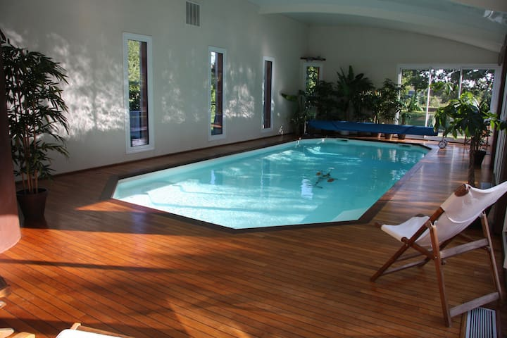 Seaside en-suite room indoor pool