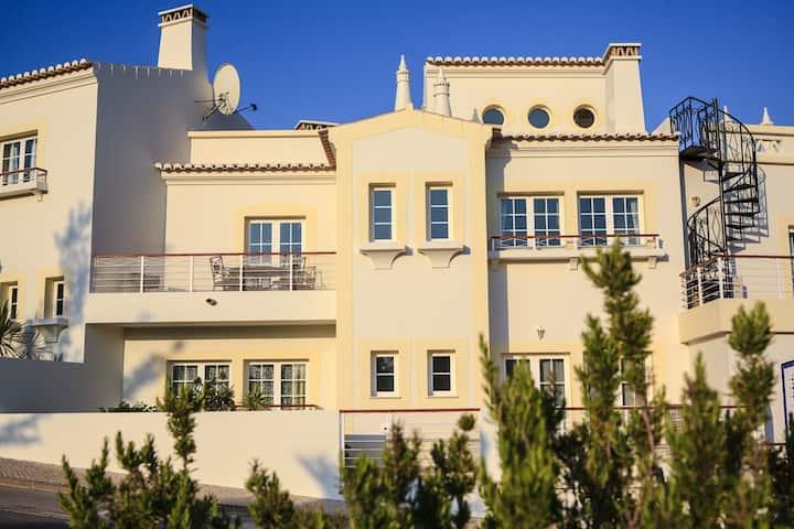 2 bedroom townhouse #138 Quinta da Encosta Velha