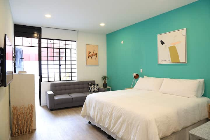 Loft with private terrace! Best Location in zone 1