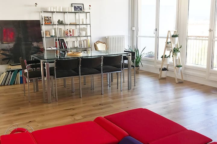 Grand appartement à Rueil Malmaison (6/7 pers.)