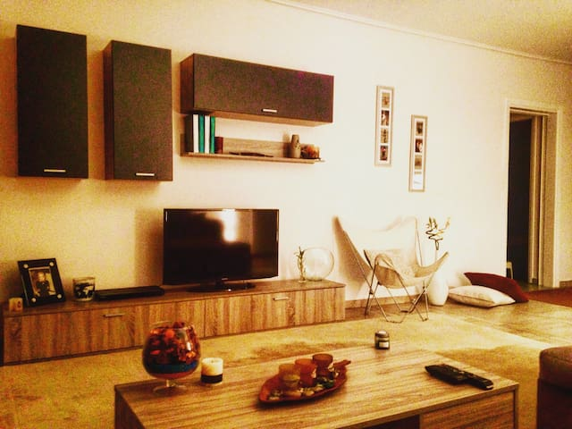 Awesome apartment, next to everything you need !! - Chalandri - Apartamento