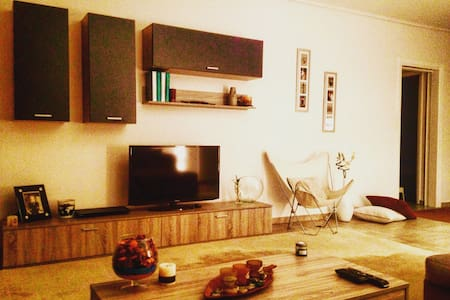 Awesome apartment, next to everything you need !! - Chalandri - Lakás