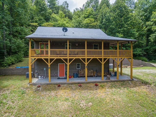 Casa Chillotta | Secluded Country Cabin near Lake Lure & Asheville - 3 Bedroom, 2 Bathroom