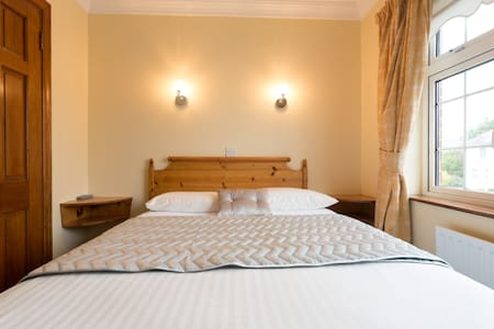 Anbelle Lodge B&B, Double room - Galway - Bed & Breakfast
