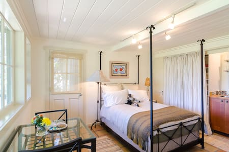 Topanga Tree House Retreat - Topanga