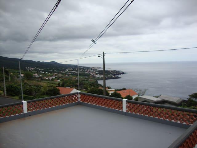 Ninho do Milhafre - São Miguel Arcanjo - House