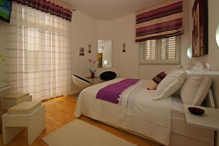 Double bed with balcony and sea view - Vela Luka - Bed & Breakfast