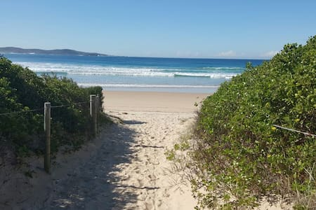 Summer is here and the beaches are pumping - Boat Harbour - Apartment