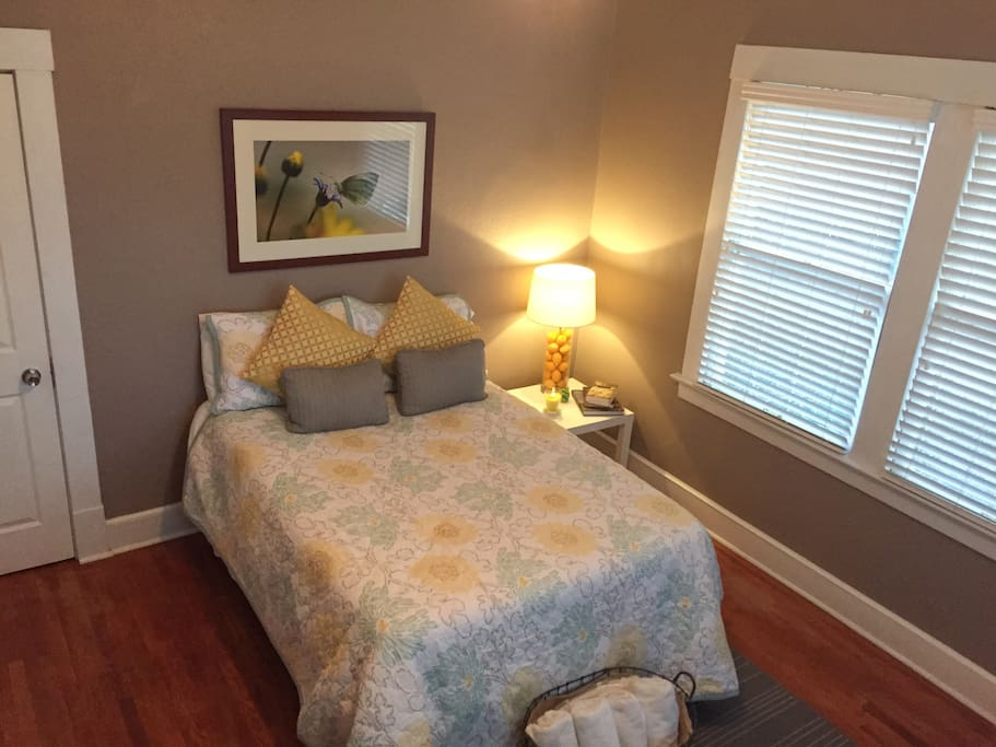 Cool and classic in central el paso bungalow in affitto for Bungalow in stile artigiano