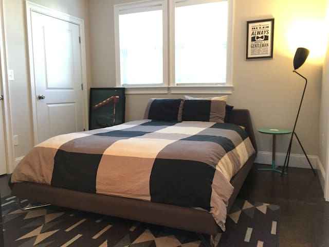 Gorgeous 2B/2BA Condo (Cambridge/Harvard/MIT)
