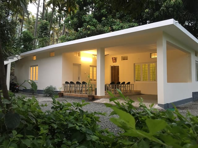 Davis Farm House - Marayoor - Bungalow