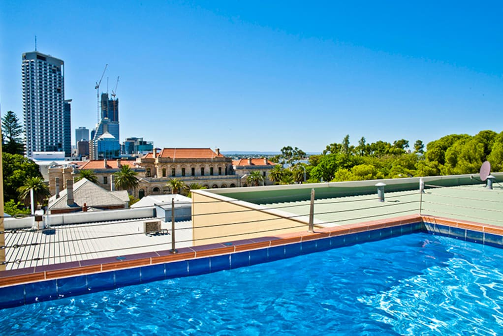 Rooftop pool with lovely views over the city
