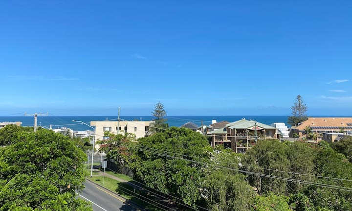 Kings Beach, views, 3 bedrooms, shops and cafes