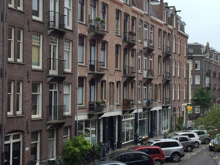 traditional amsterdam architecture