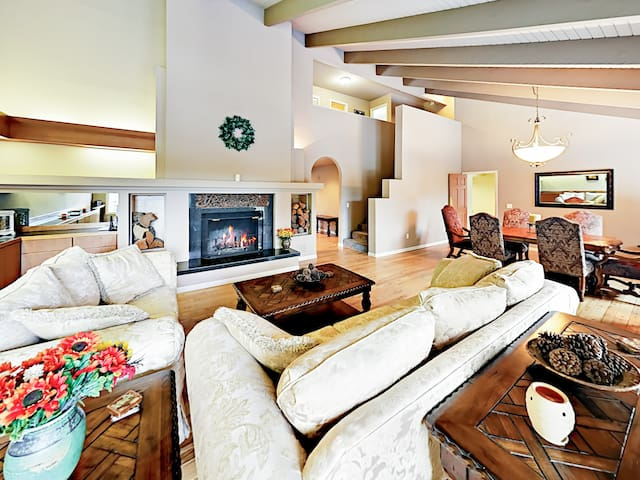 Waterfront Home w/ Hot Tub, Game Room & Wet Bar