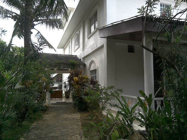 ALMAFADA VILLA IS VERY GOOD TO STAY - Malay - Villa