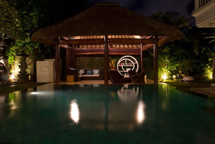 The Island Hostel Bali (12 Beds Shared)