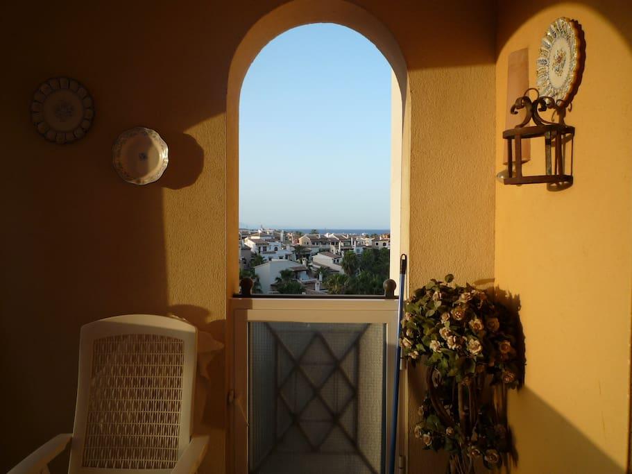 terracita de la casa con vistas mar