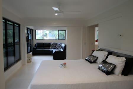 Tamar-Inn (3 Bedroom Apartment) - Bogangar - Apartmen