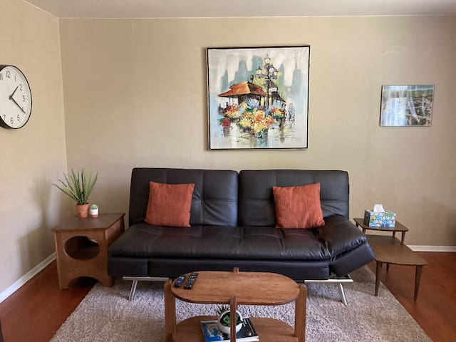 1st Floor Private Apt near Sacred Heart/Downtown