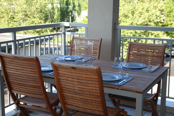 Beautiful Apt/ Peaceful setting - Mercer Island - Apartamento