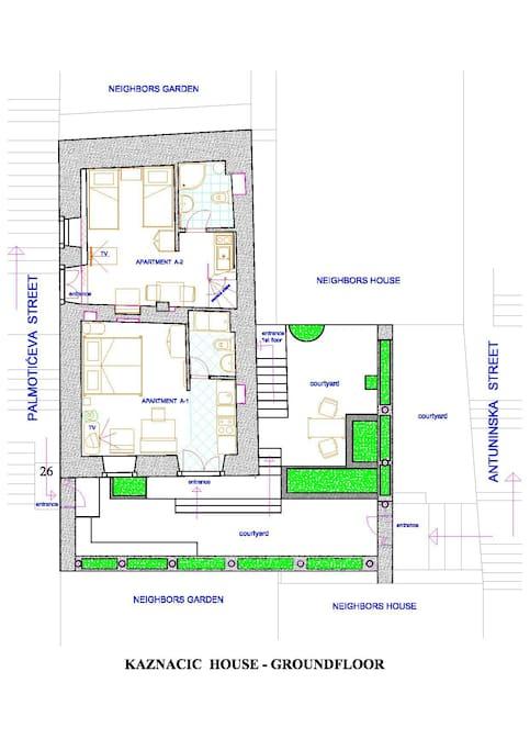 Kaznacic house- groundfloor, apartments, courtyard