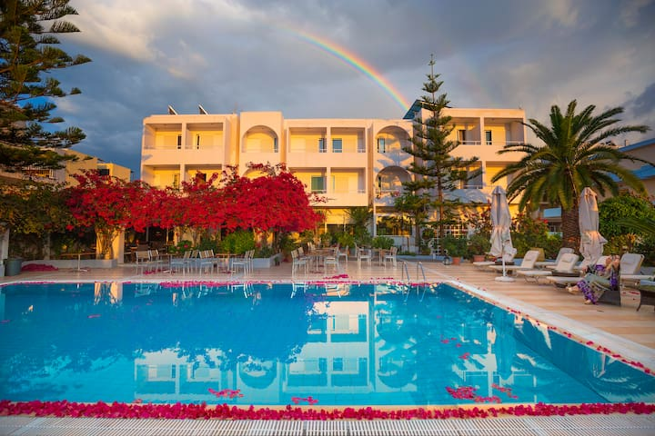 Kyparissia Beach Quadruple CityView - Kyparissia - Bed & Breakfast