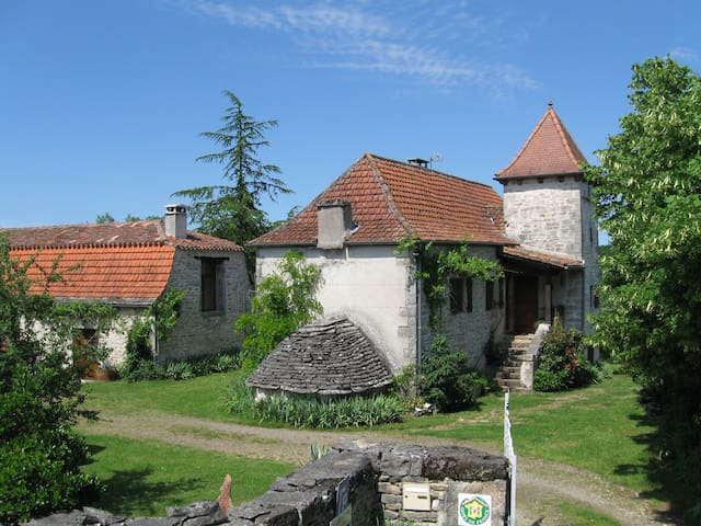 Chambre de charme en plein nature 2 - Calvignac - Bed & Breakfast