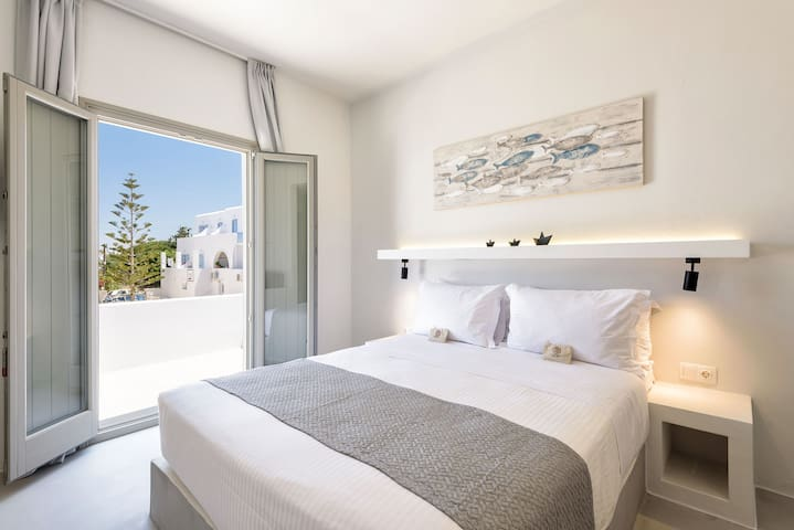 Open Space Suite in the heart of Naoussa_3